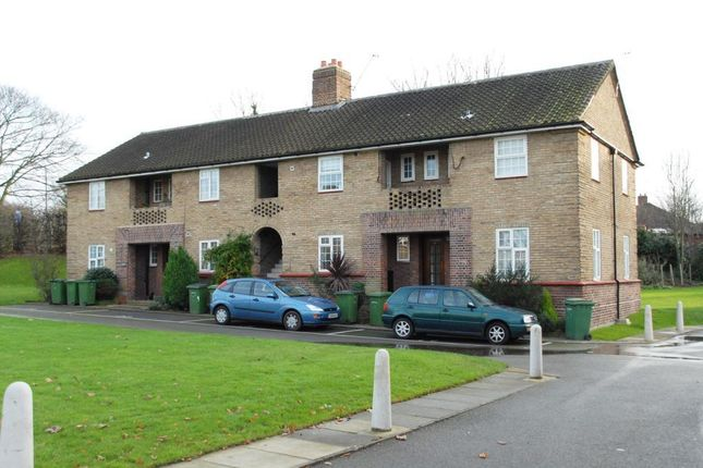 Thumbnail Flat to rent in Crown Court, Horn Park Lane, Lee, London