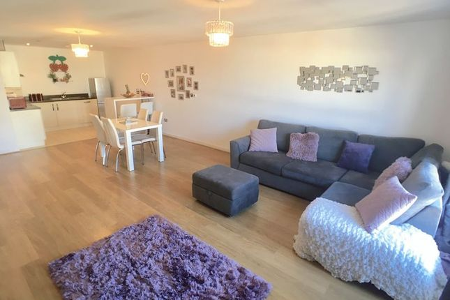 Thumbnail Flat for sale in Penstone Court, Chandlery Way, Cardiff