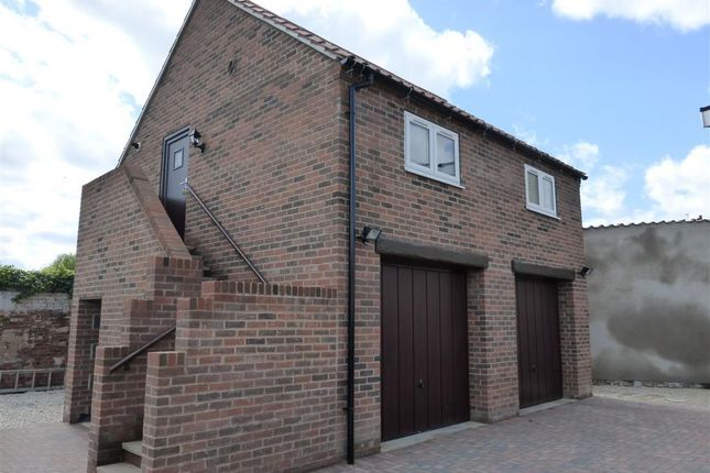 Thumbnail Flat to rent in Church Street, Bawtry, Doncaster