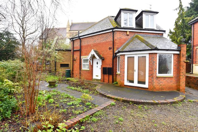Thumbnail Detached house to rent in Langcliffe Avenue, Harrogate, North Yorkshire