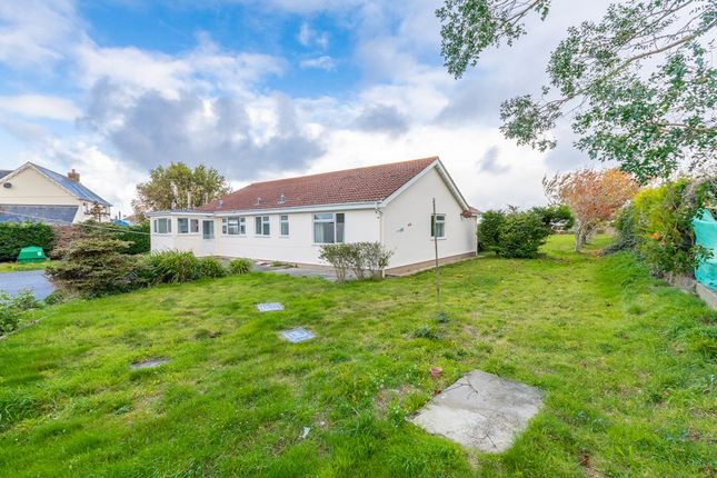 Thumbnail Bungalow to rent in Planque Lane, Forest, Guernsey
