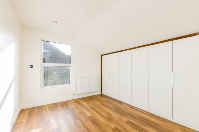Commercial Room To Rent In Brixton