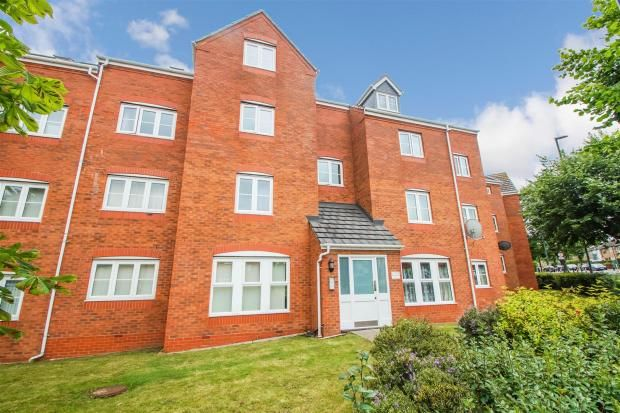 Flat to rent in Siddeley Avenue, Coventry