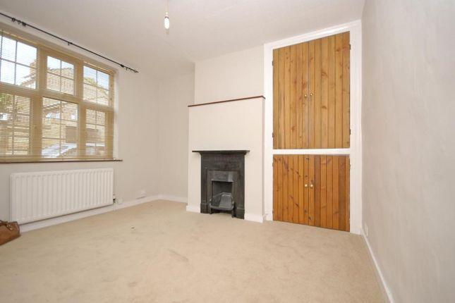 Picture No.04 of Roan Street, Greenwich, London SE10