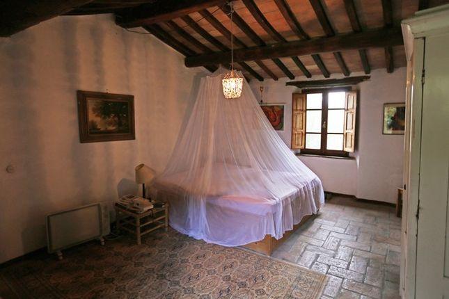 Main Bedroom of Fondi Di Sopra, Lisciano Niccone, Umbria