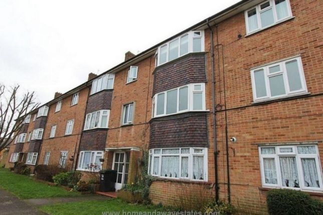 Thumbnail Flat for sale in Severn Drive, Enfield
