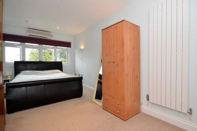 Bedroom 1 B of Creighton Avenue, London N2