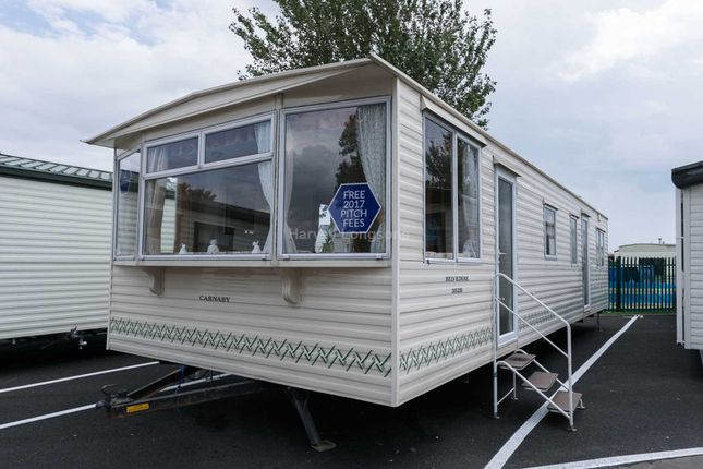 2 bed mobile/park home for sale in St Osyth, Clacton On Sea, Essex