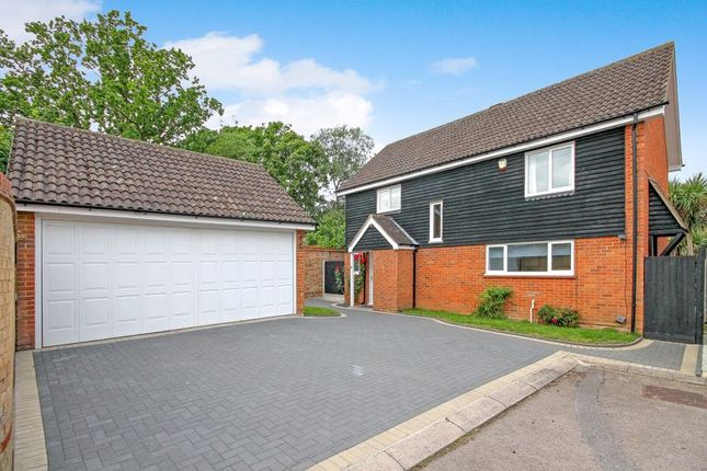Thumbnail Detached house for sale in Hoover Drive, Presidents Estate, Laindon West