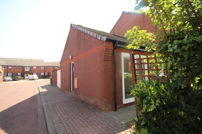Thumbnail Bungalow to rent in Princes Reach, Ashton-On-Ribble, Preston