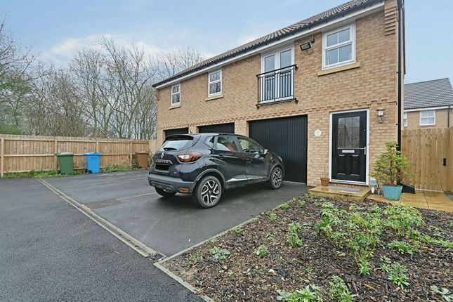 Thumbnail Flat for sale in Broad Avenue, Hessle