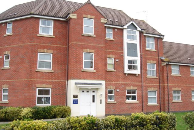 2 bed flat to rent in Strathern Road, Bradgate Heights, Leicester
