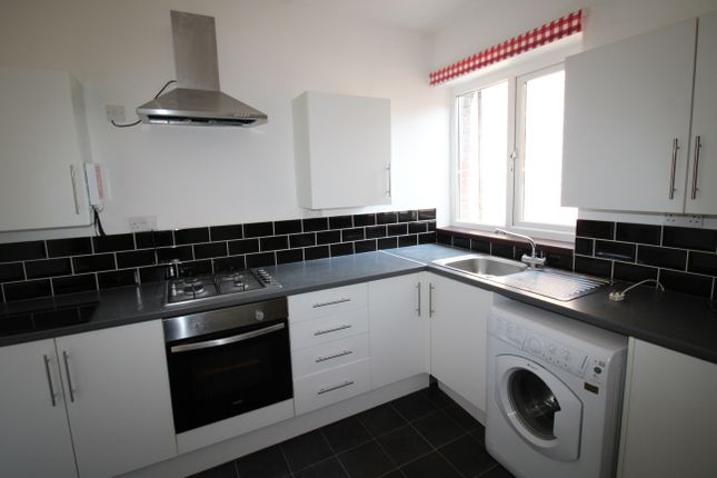 Thumbnail Maisonette to rent in Eastney Road, Southsea
