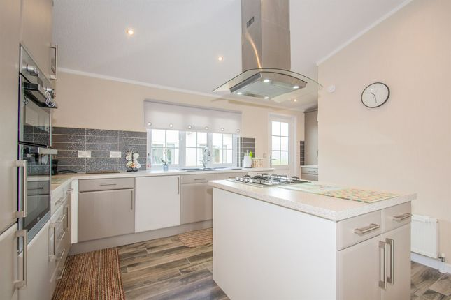 Thumbnail Mobile/park home for sale in Lighthouse Park, St. Brides Wentlooge, Newport