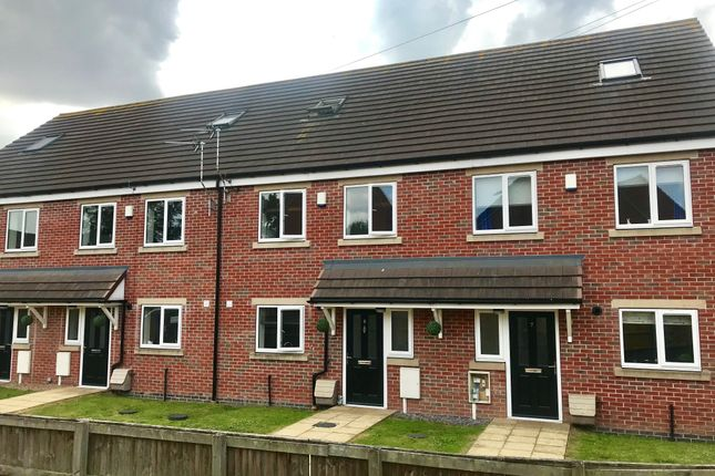 Thumbnail Town house to rent in Bridge Close, Sutton-In-Ashfield