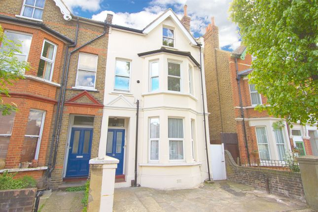 Thumbnail Flat for sale in Broughton Road, London