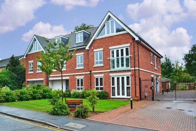 Thumbnail Flat to rent in 44 Lincoln Park, Amersham, Amersham, Buckinghamshire