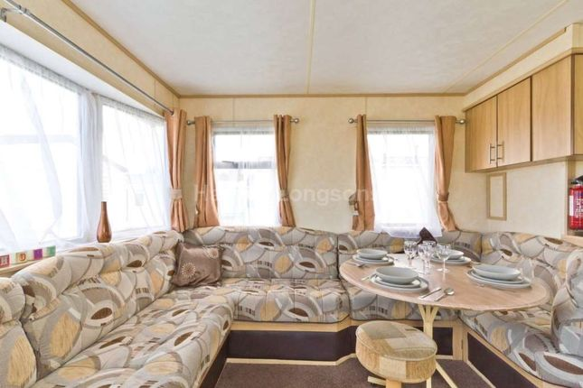 2 bed mobile/park home for sale in Warren Road, Hopton, Great Yarmouth