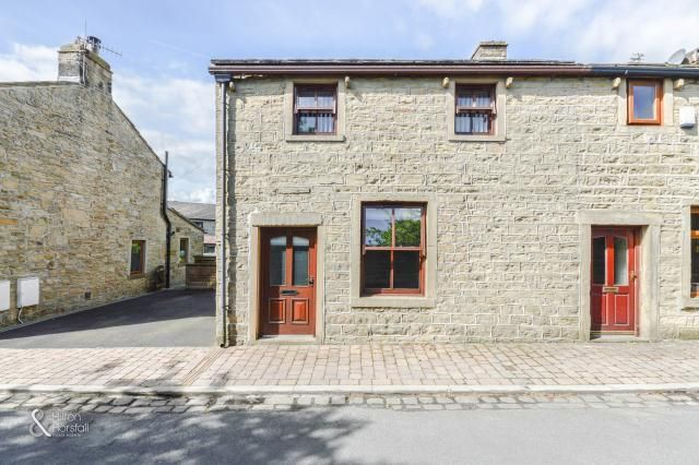 Thumbnail Cottage to rent in 12 Bents, Colne, Lancashire