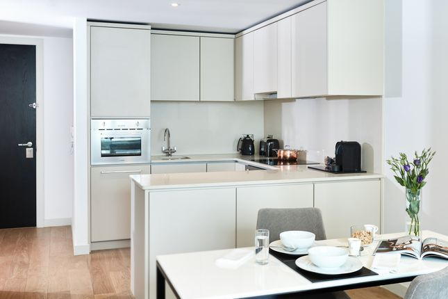 Thumbnail Flat to rent in Chapel Street, Manchester