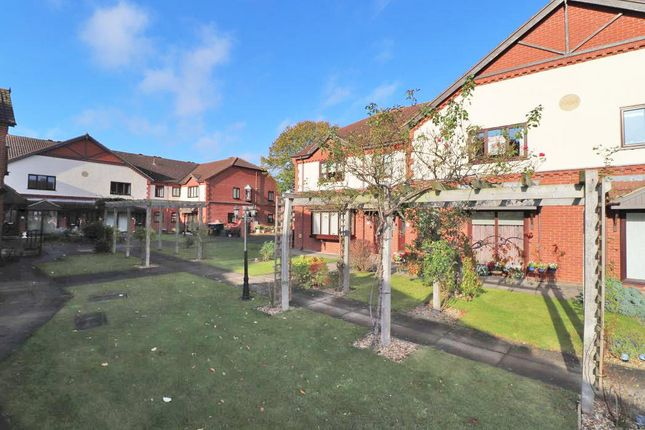 1 bed flat to rent in Lilac Court, Scartho, Grimsby DN33