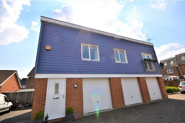 2 bed flat for sale in Edmund Court, Basingstoke, Hampshire RG24