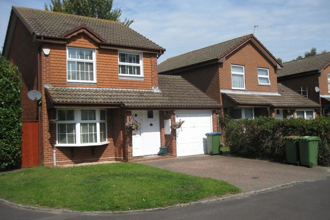 Thumbnail Detached house to rent in Thorneycroft Close, Walton-On-Thames