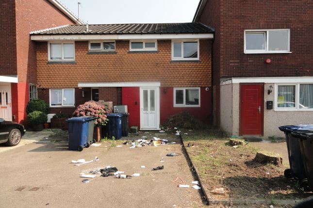 Thumbnail Terraced house for sale in Hapgood Close, Greenford