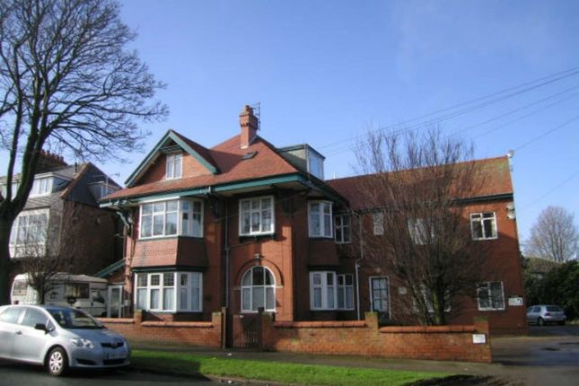 Thumbnail Flat to rent in Cardigan Road, Bridlington, East Yorkshire