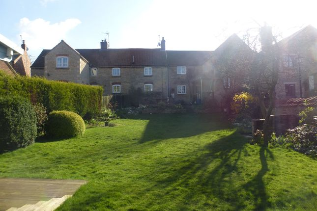 Thumbnail Cottage for sale in Main Street, Wilsford, Grantham