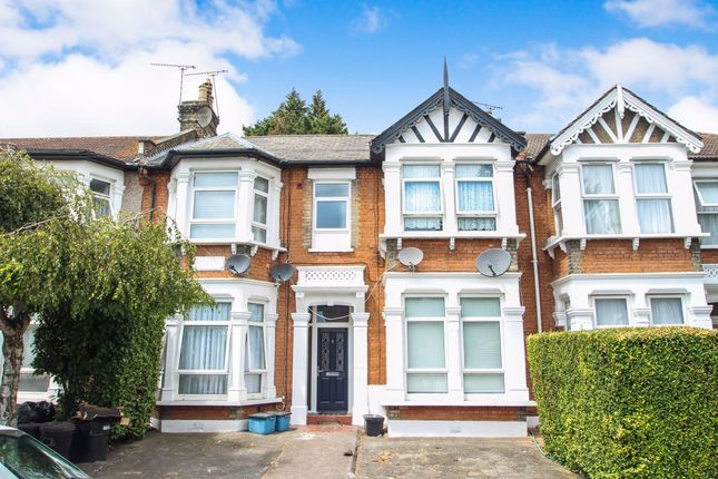 1 bed flat to rent in Cavendish Gardens, Ilford IG1