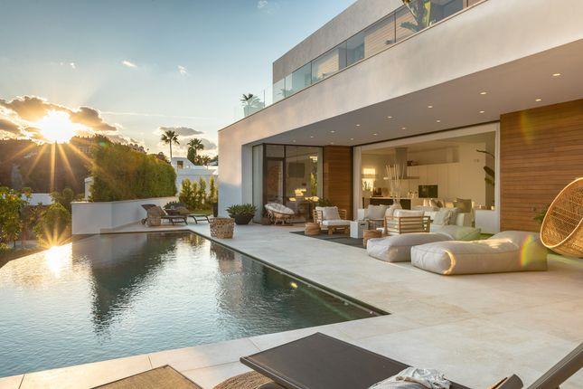 Villa for sale in El Herrojo, Costa Del Sol, Spain