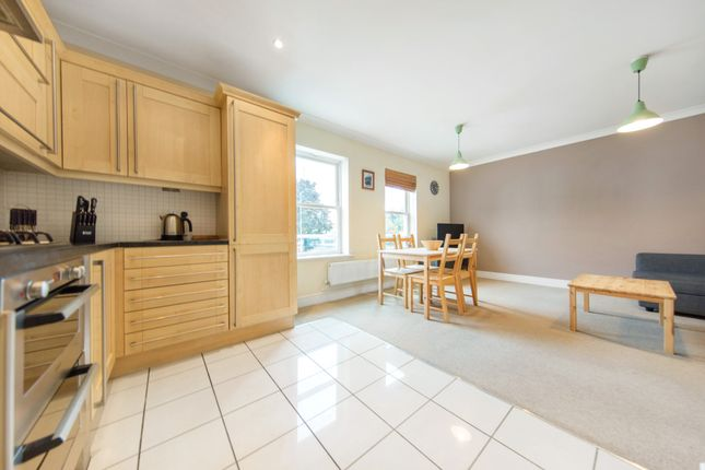 Thumbnail Flat to rent in Castlegate, Kew, Richmond