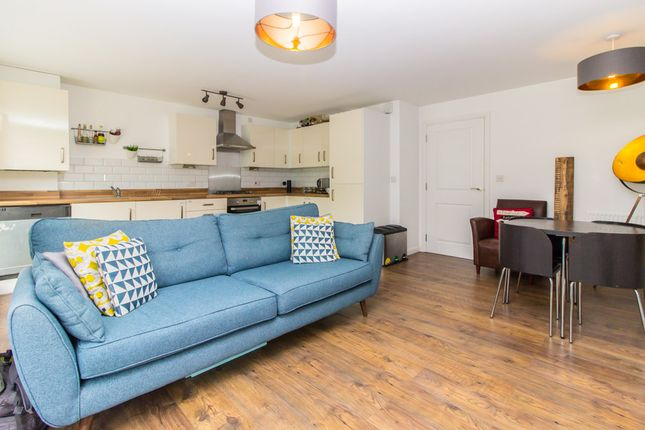 Thumbnail Flat for sale in Broadhurst Place, Basildon