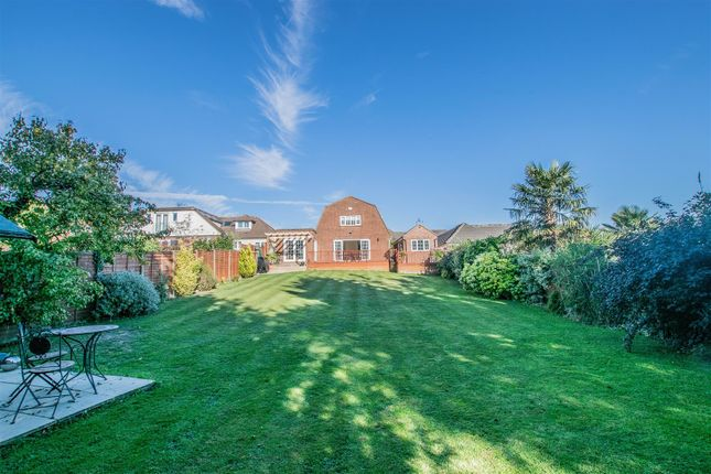 Thumbnail Detached house for sale in Barn Hill, Roydon, Harlow