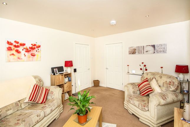 Thumbnail Flat for sale in Whyte Avenue, Cambuslang, Glasgow