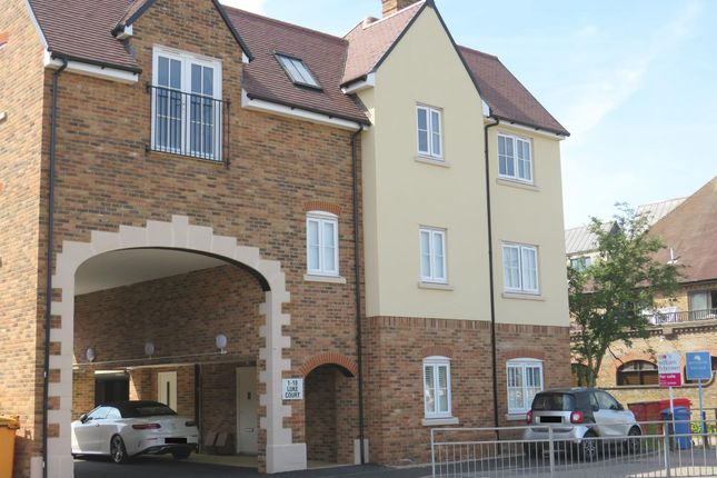 Thumbnail Flat for sale in William Hunter Way, Brentwood