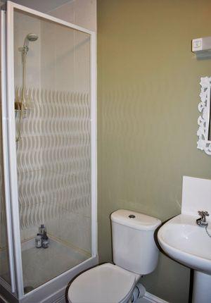 Bathroom 1 (Copy)