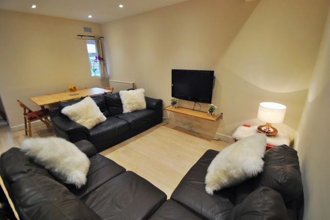Thumbnail Semi-detached house to rent in Parrs Wood Road, 6 Bed, Withington, Bills Included, Manchester