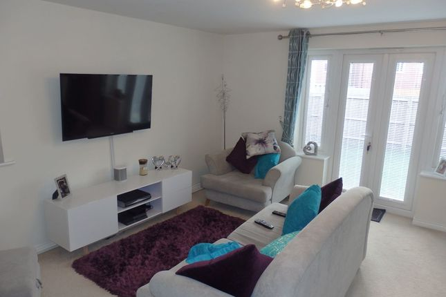 Thumbnail End terrace house for sale in Stryd Bennett, Llanelli