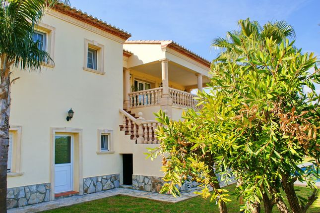 5 bed villa for sale in Dénia, Spain