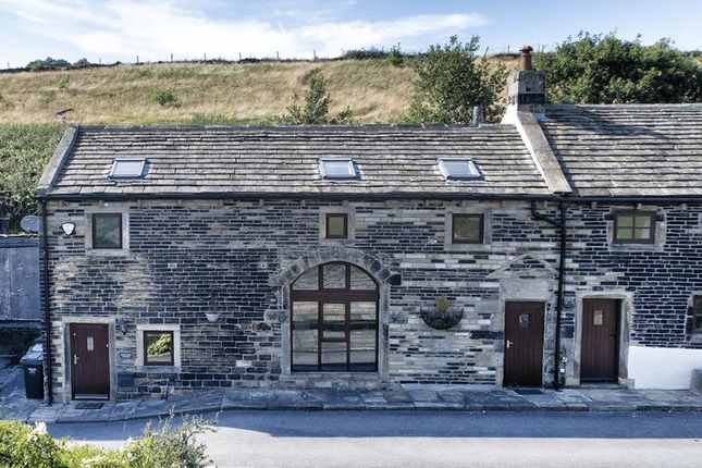 Thumbnail Barn conversion to rent in Bank Royd Stables, Bank Royd Lane, Barkisland, Halifax