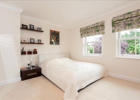 Picture No. 25 of Palace Road, East Molesey, Surrey KT8