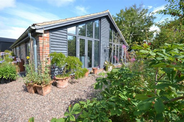 3 bed bungalow for sale in Mobley, Berkeley