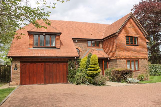 Thumbnail Property to rent in Hibberts Way, Gerrards Cross