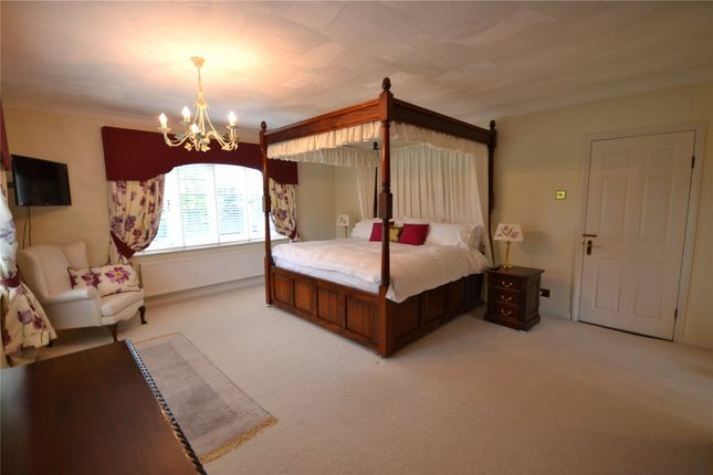 Thumbnail Room to rent in Lakeside, Waingels Road, Lands End, Berkshire