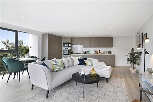 3 bed property for sale in Bombay Street, London SE16