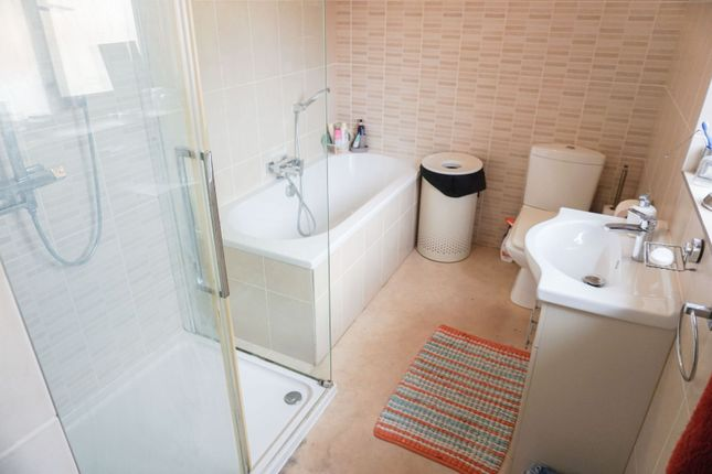 Family Bathroom of Roundhill Road, Leicester LE5