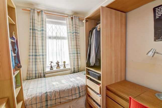 Bedroom 3 of Oaklands Avenue, Thornton Heath CR7