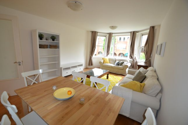 Thumbnail Flat for sale in Marlborough Place, London